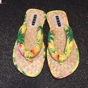 Shoes - Hawaiian flip flops